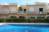 CBCD1447, Playa Flamenca,Costa Blanca Lovely 2 bedroom 1.5 bathroom Town House overlooking the swimming pool 79,000€