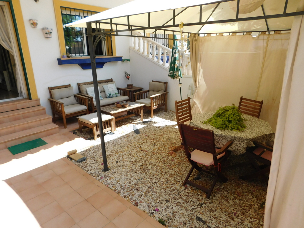 South facing ground floor apartment in the heart of San Miguel de Salinas with front Garden