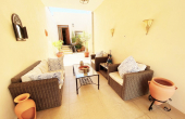 CBCD 1905, Fabulous 3 Bedroom 2 Bathroom Character house with a private solarium and 3 courtyards.