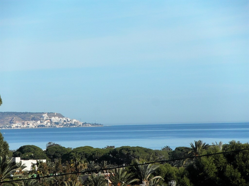 La Marina 3 bed 2 bath Apartment close to the beach