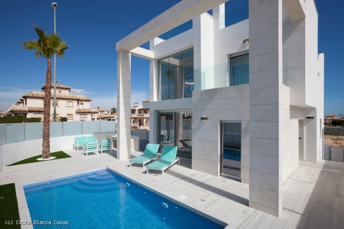 CBC1443,  Cabo Roig Fabulous 3 bed 3 Bath Villas